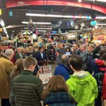 Press conference with @MiroBTV @GovPeterShumlin @PeterWelch at @OGEVT supporting shopping locally #BTV #ShopSmall http://t.co/5MELjwY1Ez
