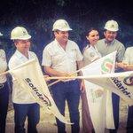 Junto con el Alcalde de #Solidaridad @MauricioGongora dimos inicio a la electrificación de la Col. Cristo Rey http://t.co/LOIdMooVs5