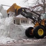 Buffalo braces for flooding after record snowstorm http://t.co/nIN9ZK8YD5 http://t.co/HLV17uOzFS