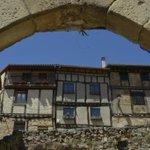 Motivos para visitar #Burgos Frías y su belleza medieval Foto de MPilar Peiró https://t.co/qg7CyuIm3S http://t.co/ltRpZk1wVx