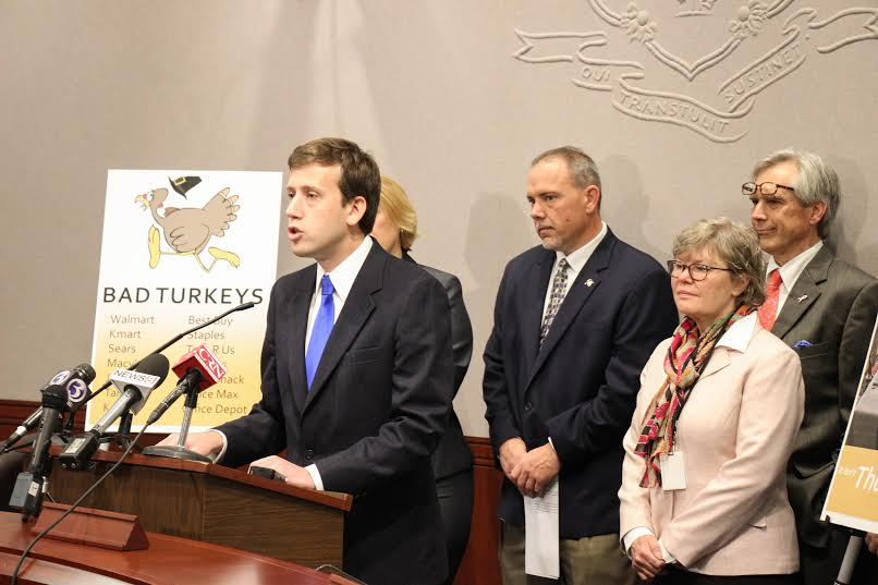 Held press conference this am to #SaveThanksgiving w/@JoeAresimowicz, @RepAlbis @CCAG @CTWFP @ConnAFLCIO http://t.co/1E2VBfLqYC