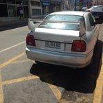 Estos CTM aún no entienden las señalizaciones ZONA DE BOMBAS ES ZONA BOMBAS AWEONAO #mandrilesalvolante #Antofagasta http://t.co/tBP0H90OS8