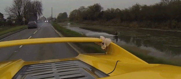"""@Jalopnik: Watch this dude wakeboard behind a $1 million Ferrari F50 http://t.co/mGouomBjBQ http://t.co/VTQniSDSRW"" @NickDaviesWake"