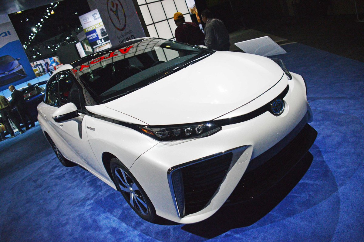 The @Toyota #Mirai is powered by hydrogen & looks like the future. You can get one in late 2015. #LAAutoShow http://t.co/OQmPvOJBNv