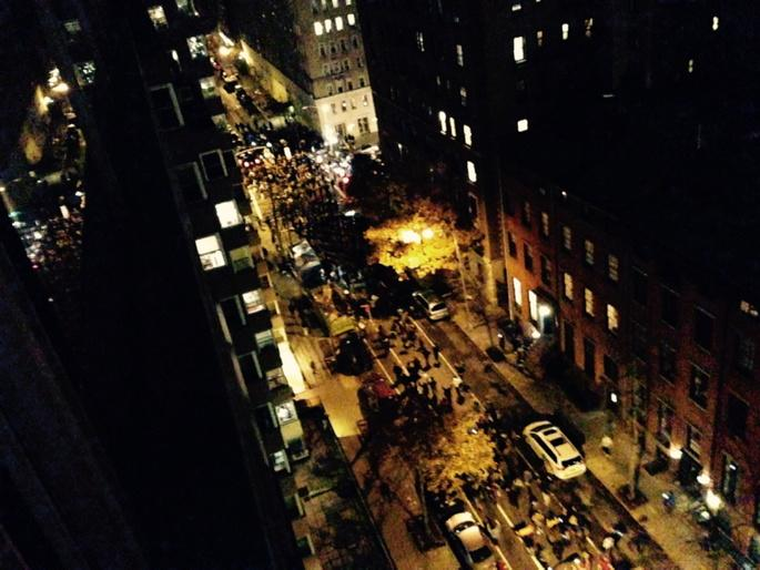 """""""@syndicalisms: Massive demonstration just erupted down 9th St in NYC. #Ferguson via @GoliSheik http://t.co/5UDRwIzJfo"""""""