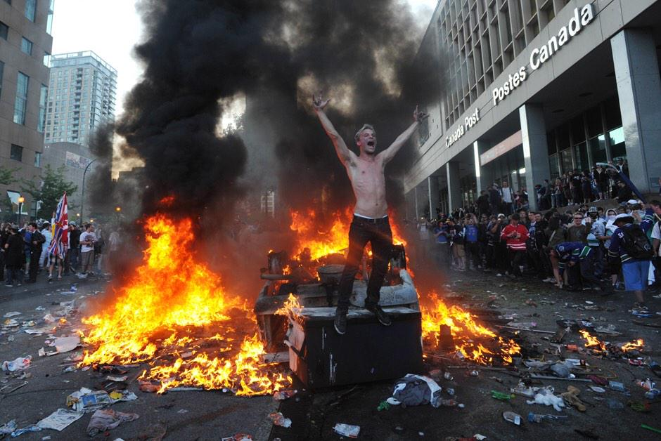 White People Rioting Over Stupid Shit (with Images, Tweets) · Betakateenin