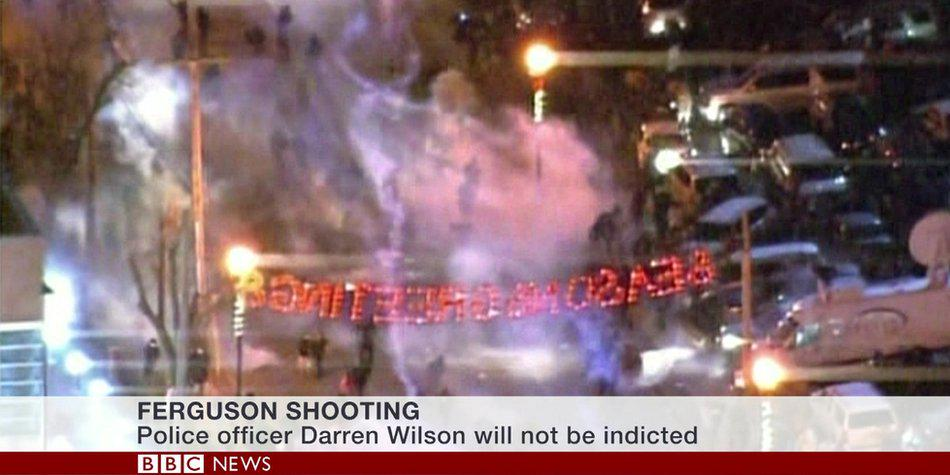 Tear gas & shots fired in #Ferguson as clashes follow #MichaelBrown ruling http://t.co/SKQ2KulIoO http://t.co/XvcRtdx6vy