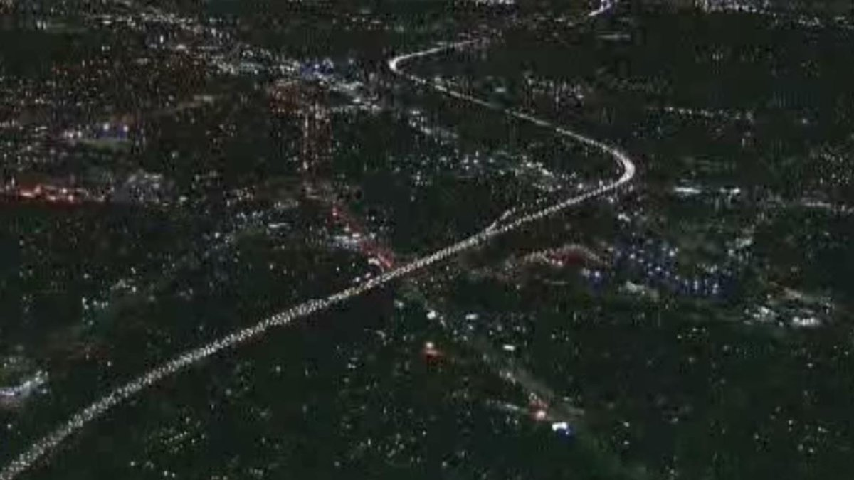 #TRAFFICALERT: 10 Freeway from La Brea backed up for miles after #Ferguson protesters walk onto freeway http://t.co/RQZrpATL3L
