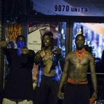 What @CNN @FoxNews @NBCNews news isnt showing. Bloods and cripps standing together to stop looters. #ferguson http://t.co/GdZdepg6ly