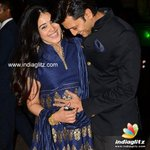 #Genelia and #Riteish blessed with a baby boy  read here - http://t.co/r9HiXa0kYt @Riteishd @geneliad http://t.co/n5N2ttgOMp