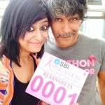 Pinkathon's official Mumbai mascot humari @Sangsterr with @milindrunning. #BhagSangeetaBhag http://t.co/HltppkTlfh