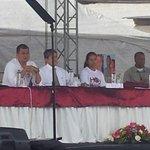 Presidente #Correa mantiene reunión con amas de casa de #Guayaquil http://t.co/t6cJRPp5r1