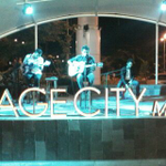 Perform @chikinthelight at Amphitheater @gragecitymall2 Organized by @yogiefriends http://t.co/kid46aNQ3h