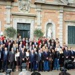 Tradicional foto de familia del encuentro en el Palacete Albéniz http://t.co/FvsmDGPy0E