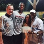 VIDEO: @OU_MBBalls first night in the Bahamas featured dinner at the Hields: http://t.co/8rJPJDfzEw http://t.co/3DOPbK4ScA