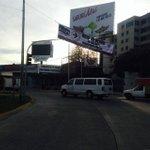 RT @Lopez_berna: semáforo en La glorieta de Av. México y Lopez Mateos tapado por lona de obra, ojo @MovilidadJal http://t.co/enyaHyQpja