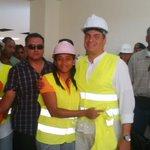 Presidente #Correa recorre Centro de Salud tipo C, en el Cisne 2 en #Guayaquil http://t.co/latUyH48MF