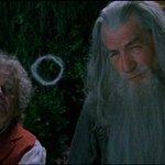 #MartesDeTrivia ¿Alguna vez has querido probar la pipa de Gandalf? #ElHobbit   #UnaUltimaVez http://t.co/nWklCjdLE7