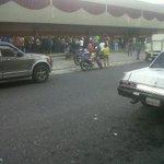 La cola para comprar jabon Ace en Acarigua. Portuguesa http://t.co/MPFOBtf6Ad