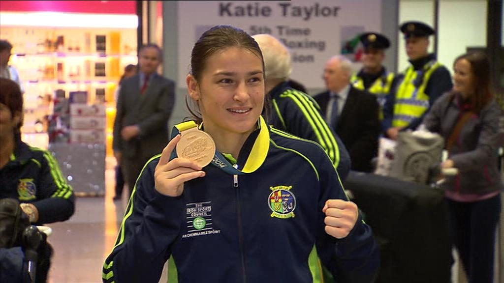 Katie Taylor has arrived back in Dublin after her success at the World Championships. #rtesport #katietaylor http://t.co/nnmnKuBqDF