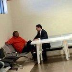 .@martharoldos @juanvizuetaronq no está incomunicado @GaloLaraY recibió visita de @BaldaFernando http://t.co/t7fqsJpnY6