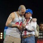 RT @AdictosC13: Momento en el que el papá de uno de los 43 jóvenes desaparecidos le dice a @Calle13Oficial