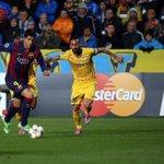 El uruguayo Luis Suárez marca su primer gol con el #Barcelona http://t.co/tp40EFp4gX http://t.co/FjtggJU7nf