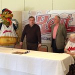 BIG NEWS in the #ChicoCa sporting community. The Chico Heat is back! #ChicoHeat #Baseball. http://t.co/Ogz7VJ0pZt
