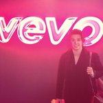 Filming in a secret location... @Vevo http://t.co/TkyrNxMcVa