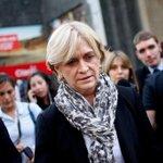 """Matthei insiste con Bachelet: """"¿Sabe de economía? No sabe nada. ¿Sabe de educación? Tampoco"""" http://t.co/mjSeuEdhwO http://t.co/M8QH2HtEgO"""