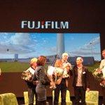 En de MilieuCafe Award 2014 gaat naar... #FujiFilm #mc100 http://t.co/7IxpCmVfCZ