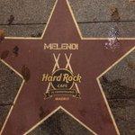 Eq.M Mirar a quien nos hemos encontrado en el paseo de la fama en Madrid. @HardRockMadrid http://t.co/9QofXr1JWv