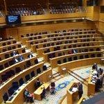 LA IMAGEN DEL DÍA por @margaritazabala, PERIODISTA. El Senado durante el debate sobre protección a los hipotecados. http://t.co/ulR0bbIV3i