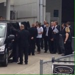 Harry arriving at the airport in Sydney! #1-3 (via @ausnarry) http://t.co/u8agu7Ay9g