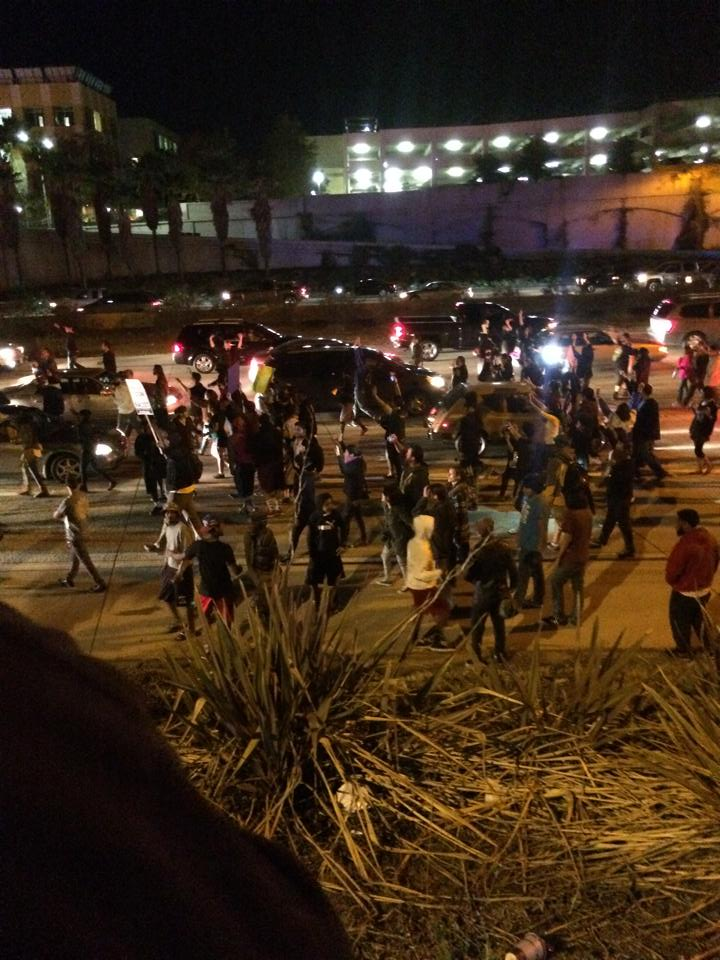 Here's a photo from I-15 in City Heights as protesters cross lanes of traffic. @SanDiego6 #Ferguson @JohnCarrollSD6 http://t.co/8zkNB4kFec