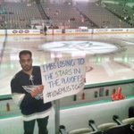 Oil die hards spotted pre-game in the Big D. Great sign! @EdmontonOilers @OilersNation #lowemustgo #yeg #oilers http://t.co/xyCXs0XkYe