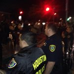 HPD forms human barricade & blockade w/ horses to prevent demonstrators from going further @KHOU #khou11 #hounews http://t.co/ynI305YvFw