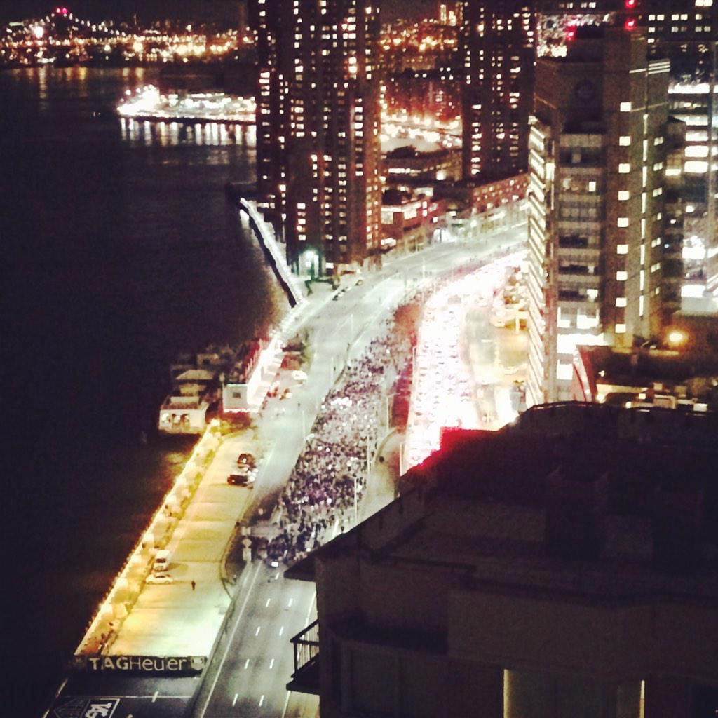 crazy view from my apartment of protestors marching on the FDR drive. #FergusonDecision http://t.co/dCEQVrSx5s