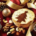 """こちらも超限定!キャラメルのチーズタルトが新登場! """"@fashionpressnet: パブロカフェ(道頓堀・姫路)でクリスマス限定キャラメル風味のミニチーズタルト http://t.co/eJmRGKpTUt http://t.co/x5WcYw4FLO"""""""