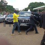 Politicians Arrive At Uhuru Park #RIPKajwang More Photos On http://t.co/rL1pgNa1Az http://t.co/5ZI1xpxtCy