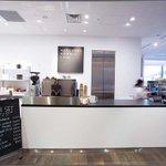マーガレット・ハウエルがカフェ併設店を吉祥寺に出店へ。公園に面した立地でテイクアウトも http://t.co/u7gLpqsZdw http://t.co/MBVaZUR6zu