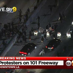 2nd night of #Ferguson protests in L.A. sees the 101 freeway in #DTLA blocked http://t.co/XRPkdyyGwN http://t.co/7FTOKhPVlR