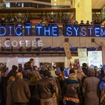"""Over Pass Light Brigade tonight in #Milwaukee: """"Indict the system."""" #ShutItDown for #MikeBrown @OLBLightBrigade http://t.co/PsxGozyLl8"""