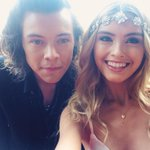 """@Sarah3llen: Lovely meeting you @harrystyles #ARIAs2014 https://t.co/CYCnZShfjZ"""