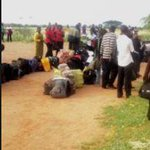 300 people camp at Kenya Defence Forces airstrip seeking to leave Mandera http://t.co/F9n6vqVXZ7 http://t.co/9WpLhbI06n