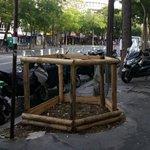 La ciudad de #Murcia copia de París los aseos en la calle para mascotas. ¿Qué te parecen? http://t.co/DCnkQqyhNY http://t.co/s4UIphXllY