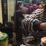 """韓国のあるネットユーザーは、""""コプチャン(ホルモン)食べに行ったらG-DRAGONと水原希子がいた""""と25日自身のインスタグラムに目撃談と写真を載せた。その場所は、ソウル清潭洞のあるコプチャン専門店だということだ。 http://t.co/jfsj1JktVP"""