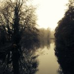 The @UniofReading lake looks beautiful even on a dull wet winter morning. http://t.co/RjCJUn0NA7