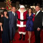 Fun pic from last nights Preview Party @FantasyOfTrees. @tedhallnews @wvltmichele @AmandaHara @SethLinkous http://t.co/75DWYUrFYF