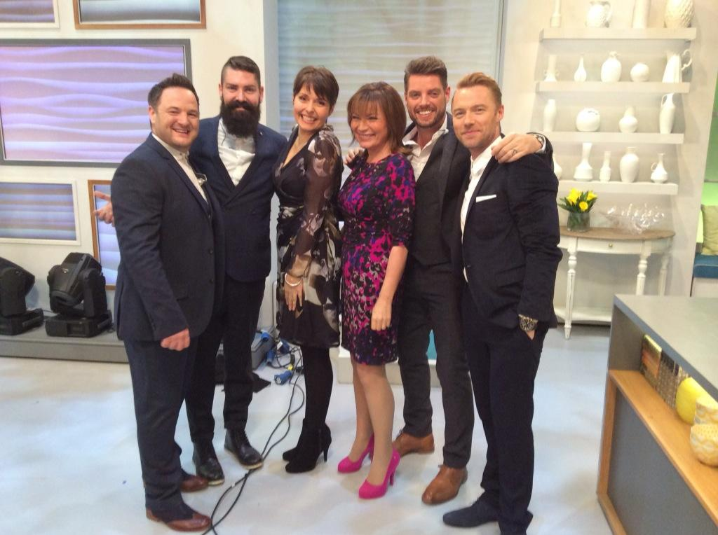 @reallorraine @officialkeith @ronanofficial @ITVLorraine  Fab show today, Lorraine & I enjoyed a little boogie! X http://t.co/KSungM62IU